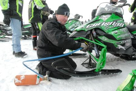 Rick doing a quick nitrogen top-off on the Christian Bros. sleds at the 2010 I-500