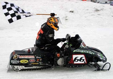 Gary Moyle winning Eagle River in 2007 on Arctic Cat