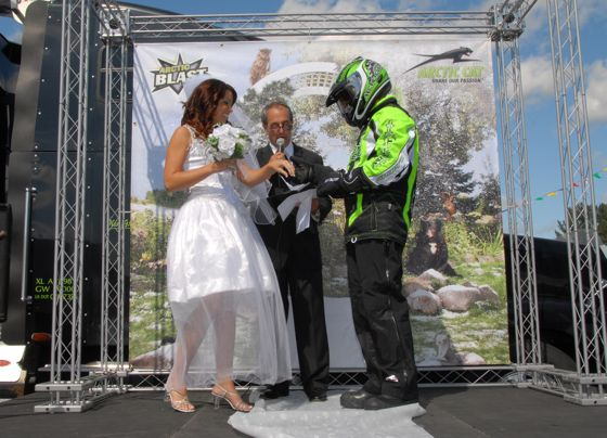 Arctic Cat waiting for winter guy gets married. Photo by ArcticInsider.com