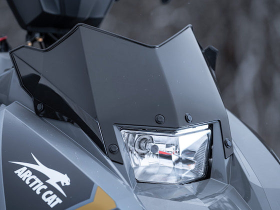 The Blast ZR/XR/M all come standard with 4-in. race-height windshield