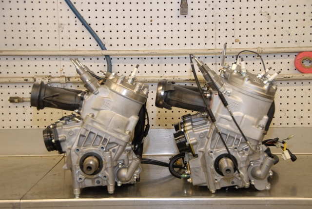 600 Race Engine Left, 800 H.O. Right