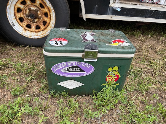 Im fascinated with vintage stickers. Especially when applied to vintage coolers